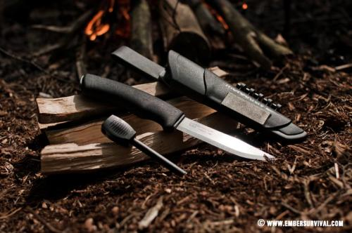 Mora_Bushcraft_Survival_Knife_4